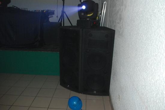 systeme A30 sur ampli Amcron